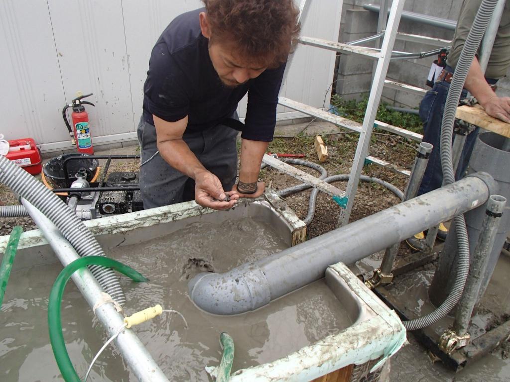 井戸の用途:住宅用井戸 井戸掘り地域:埼玉県さいたま市 施工内容:井戸掘り工事と機器設置